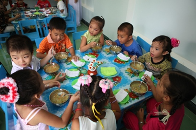 Deuxième et troisième cantine au Vietnam – Juin 2012