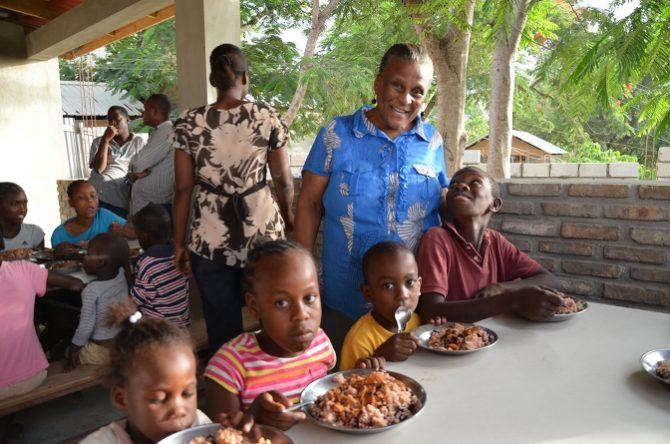 Ouverture de la cantine KBT à Haïti – Oct. 2012