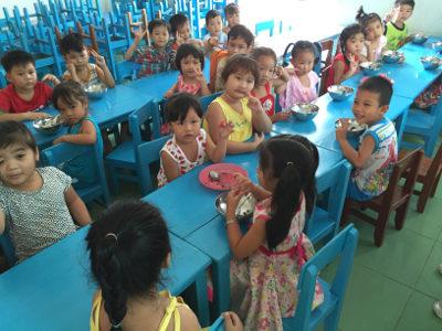Visite de la 2è cantine financée par RSF au Vietnam – Mars 2016